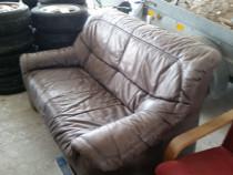 Canapea de 2 persoane