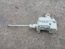 Motoras / actuator deschidere haion VW Golf 4