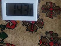 Termometru digital rezistent la apa - alb .