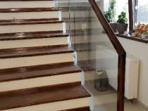 Executam balustrade din lemn masiv