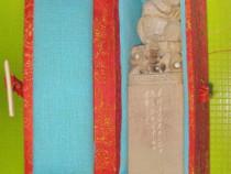 Statuieta maimuta cu Stampila Braille piatra orientala st FB