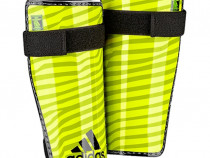 Aparatori fotbal, sport Adidas Lite, mărimea M