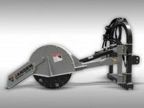 Utilaj nivelat radacini in tirantii tractorului
