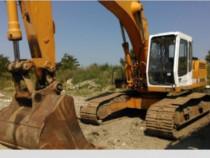 Execut lucrari cu excavator