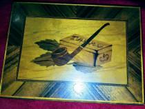 Caseta vintage pentru tigarete