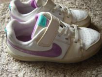 Adidasi Nike nr 31