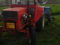 Tractor u-550