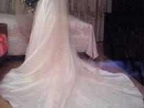 Rochie de mireasa model deosebit