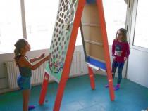 Joc interactiv: labirint cu bile