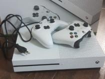 Xbox one cu 4 jocuri si 2 controller-e