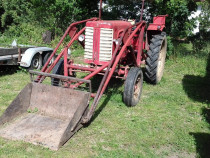 Tractor international 265 cu incarcator frontal