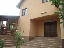 Casa deosebita prop. P+1 smeura 5 camere+living+curte 380mp