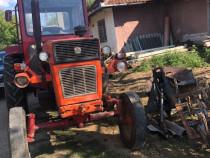 Tractor U650+plug