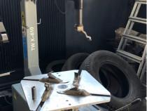 Aparat de detansat si aparat de echilibrat anvelope