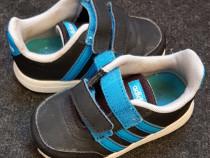 """Incaltaminte """"Adidas"""" copii marimea 22"""
