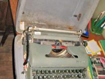 B40-Masina scris Olympia veche dupa razboi.