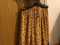 Rochie galbena cu buline negre