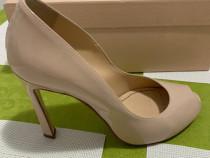 Pantofi crem eleganti