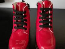 Ghete noi rosii din piele lac imblanite melania 28 (18 cm)