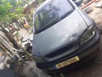 Dezmembrez Opel Zafira 2007