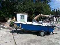 Barca trimaran+peridoc+motor johnson