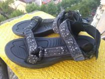 Sandale, Fast, mar 42 (27 cm)