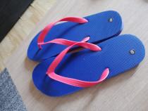 Papuci plajă