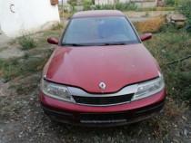 Se dezmembrează Renault Laguna 2
