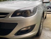 Opel Astra J Sedan
