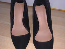 Pantofi stileto negrii Berska