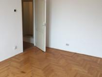 Apartament 3 camere nemobilat zona Spital