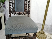 Scaun din lemn Antique
