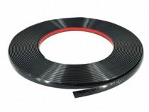 Rola Ornament Negru Protectie Usa Cu Adeziv 8MM X 15M