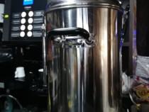 Mobilier bar, expresor cafea, mașină cuburi de gheață, etc.