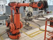 Robot industrial ABB 4400 plus robot KUKA KR125