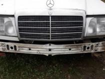 Dezmembrez Mercedes w124 kombi