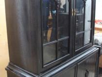 Vitrina vintage Stil Florentin; Comoda cu vitrina lemn masiv