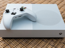 Xbox one s + 2 manete 500gb