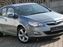 Opel Astra J - an 2010, 1.6 (Benzina)