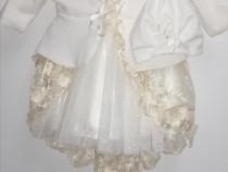 Rochițe și costumase de bebelusi