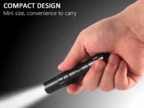 Mini Lanterna Metalica Rezistenta la Apa cu Led
