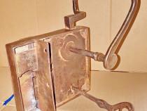 C388-Broasca poarta mare veche pt. conac-casa metal function