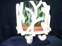 Ghiveci de flori din sticla cu suport de lemn