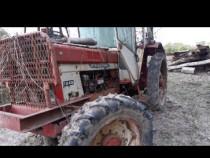 Dezmembrez tractor internațional 946 1046 1246