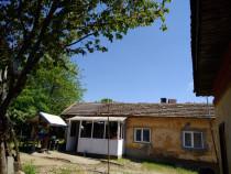 Casă cu 3 camere, curte proprie de 1850 mp, Ostroveni Dolj