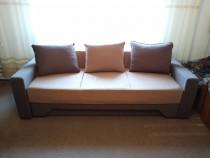 Canapea extensibila si doi tabureti