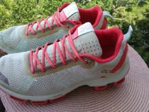 Adidasi alergare On Running Cloud Tec, marime 39, UK 6,