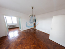 Apartament 3 camere 60mp Et.2 Muzeul de Istorie Piatra Neamt