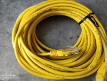 Cablu patchcord cu conector RJ45 10 metri.