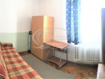 Apartament cu 2 camere, zona Complex Hermes
